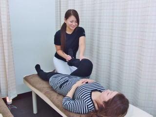骨盤矯正の施術1