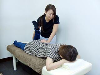 骨盤矯正の施術2