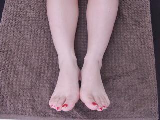 骨盤矯正によって見かけ上の足の長さの違いが解消2